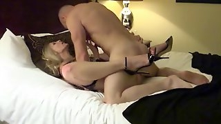 Married couple goes wild in the hotel room