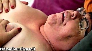 Fat cougar gets oral