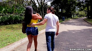 Sucking on a dick pleases sexy Juliana more than anything else